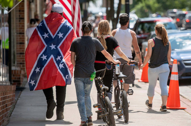 Pentagon eyes new way to bar Confederate flag, officials say